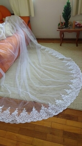 Image 3 - High Quality Neat Lace Edge Long Wedding Veil Customized Cathedral One Layer Bridal Veil with Comb Welon 2019