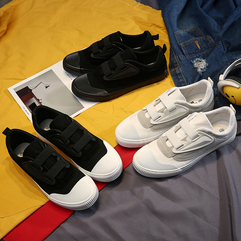 2018 nouveau bas Top toile chaussures pour hommes solide décontracté couleur blanche jeunesse tendances appartements hommes noir mode boucle vulcanisé chaussures