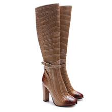 цены Women Brown Alligator Pattern Pointed Toe Side Zipper Boots Concise Style Ankle Buckle Decoration High Square Heel Winter Shoes