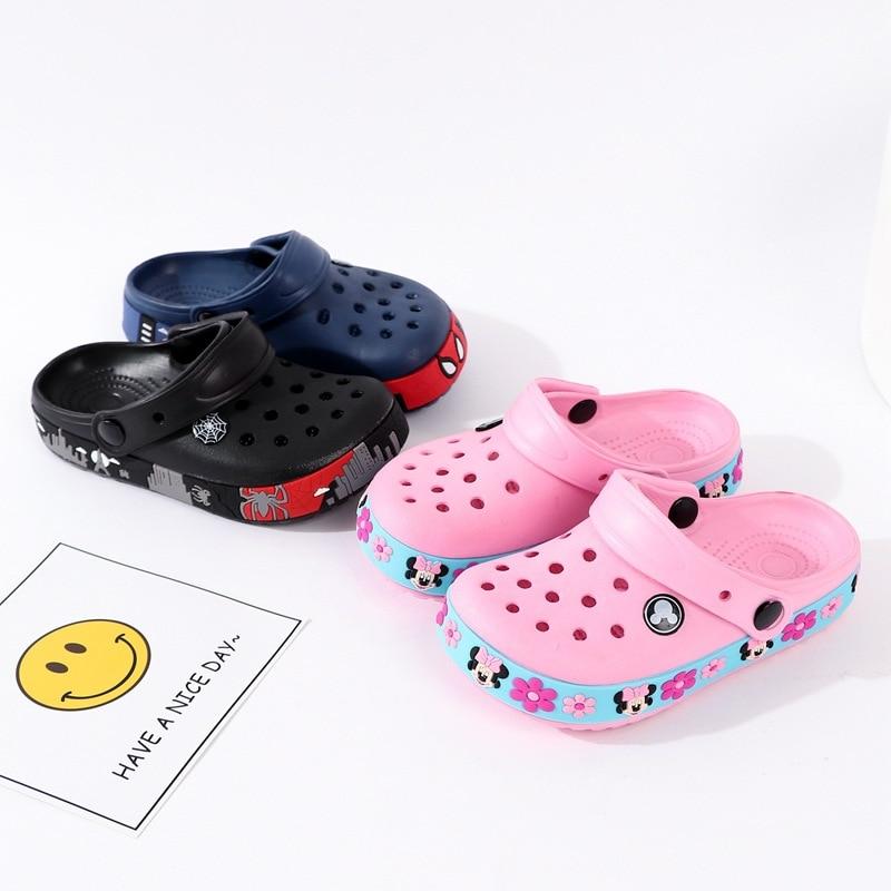 New 2019 Summer Boys Girls Beach Slippers Kids Mickey Cartoon EVA Red Black Color Minnie Baby Cave Garden Sandals 14.2cm--21cm
