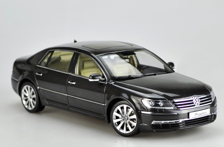 Gifts Original 1:18 German VW Phaeton car model alloy Alloy car models Favorites Model