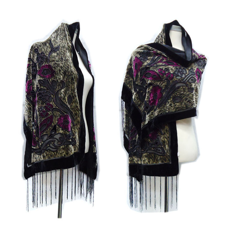 e702e58a2ebf Detail Feedback Questions about New Sexy Tiger Leopard Print Velvet Scarves  Women 2018 Winter Luxury Pashmina Scarfs Poncho Women Gift For Mom Lovers  on ...