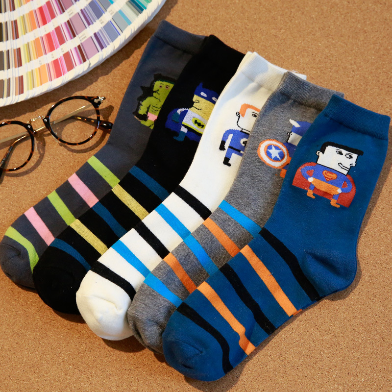 2016 New Autumn Winter Men Cotton Socks Super Man Cartoon Fashion Style Novelty personality Young Men Socks 5 Colors can Choose