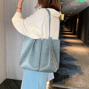 Image 5 - 2 Piece Large Women Shoulder Bag Set Ruched Crocodile Alligator Composite Bag Big Capacity Female Handbag Shopping Traveling Bag