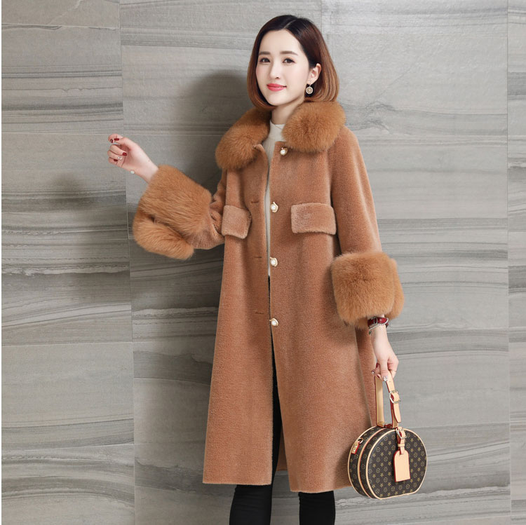 women natural sheep fur coat with real fox fur collar (5)