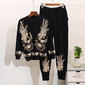 03b6e776f0 Otoño de 2019 2 unidades las mujeres cordón bordado de punto establece  suéter pantalones traje de invierno de las mujeres