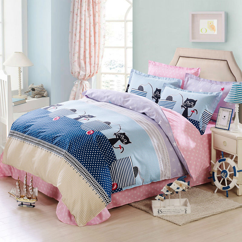 With sheets, duvet inserts, duvet covers and quilts made of only the finest fabrics, our options bring comfort and style into children's or babies' rooms alike. Browse by gender, pattern or color to find a full range of designs, one of which is sure to fit perfectly with your little one's budding personality.