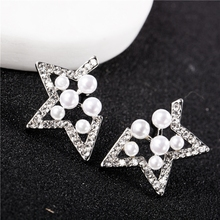 EK672 Pendientes Boucles Imitation Pearl Diamonds Hollowed Out Five Pointed Star Stud Earrings For Women Jewelry Accessories