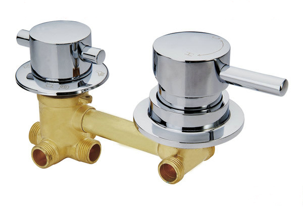 Shower room mixer faucet cold and hot water switch valve, 2/3/4/5 Gear shower room mixing connecting valve faucet accessories free shipping 1 2 inch dn15 floating valve cold and hot water tank stainless valve water tower float valve switch