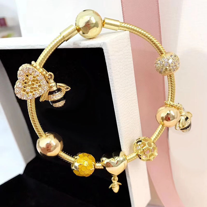 Luxury And Shiny Gold Color Bee Seires Creative With Heart Charm European Style 925 Sterling Silver Charm Bracelet gold plated rhinestone heart circle charm bracelet