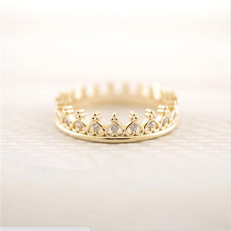 Fashion unique small crown ring only sell the best European and