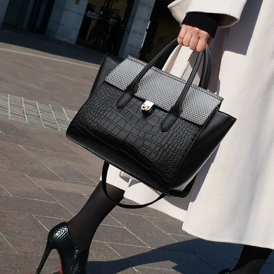 Simple Style Ladies Leather Handbags Big Leather Totes Female Shopping Totes Shoulder Messenger Bag Bolsa Feminina Female
