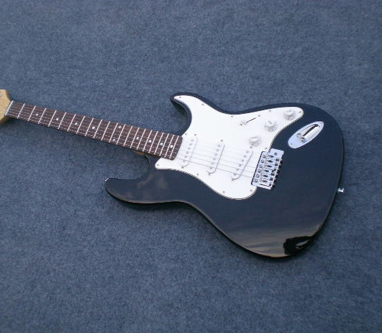 Classic entry level 6 string electric guitar, 3 pickups, 5 tone conversion, a variety of colors to choose from.