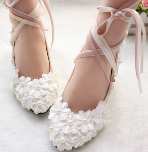 Middle heel wedding pumps shoes lace flowers long sexy riband satin straps brides  shoes sweet handmade plus size bridesmaid shoe 427545a3c8c6