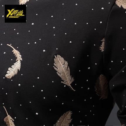 100% real lujo hombres negro/blanco con pluma bordado camiseta club/actuación de escenario/estudio/Asia tamaño/Esta es solo camiseta - 2