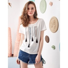 ARTKA 2019 Early Spring and Summer New Ethinic Tassel Decoration Fashion Hot Stamping Round Neck T-shirt TA15380X цена