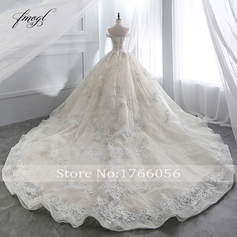 Image 2 - Fmogl Sexy Boat Neck Lace Ball Gown Wedding Dresses 2019 Appliques Beaded Chapel Train Vintage Bridal Gown Robe De Mariage-in Wedding Dresses from Weddings & Events