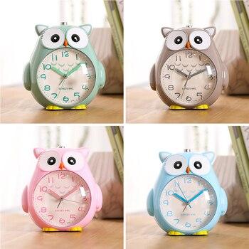 Simpatico Gufo Table Alarm Clock Regali Per Gli Studenti Del Fumetto Bello Movimento Al Quarzo Accanto A Dei Bambini Decorazione Della Casa Dell'orologio