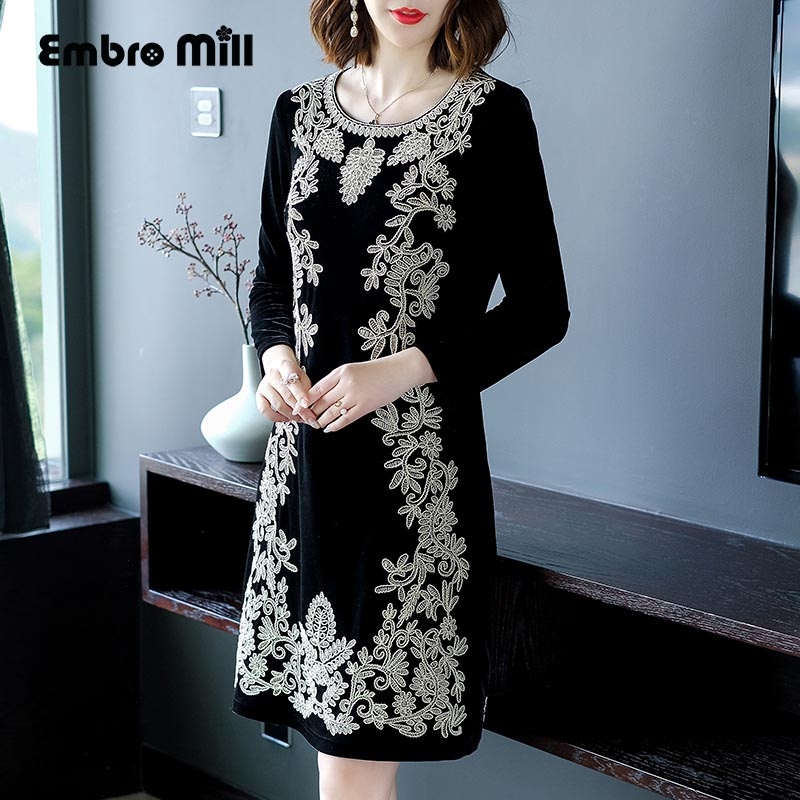 Chinese traditional clothing women Black velvet dress winter vintage floral  embroidery elegant lady beautiful party dress M 4XL-in Dresses from Women s  ... 29312b2efa80