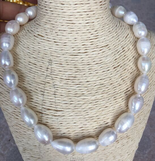 Elegante barocco 12-13mm mare a sud bianco perla necklace18inchElegante barocco 12-13mm mare a sud bianco perla necklace18inch