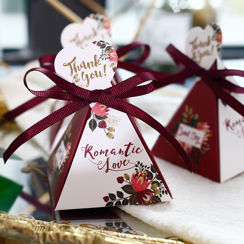 Flamingo Marble style Triangular Pyramid Wedding Favors Candy Boxes with thank you tags Bomboniera Giveaways Box