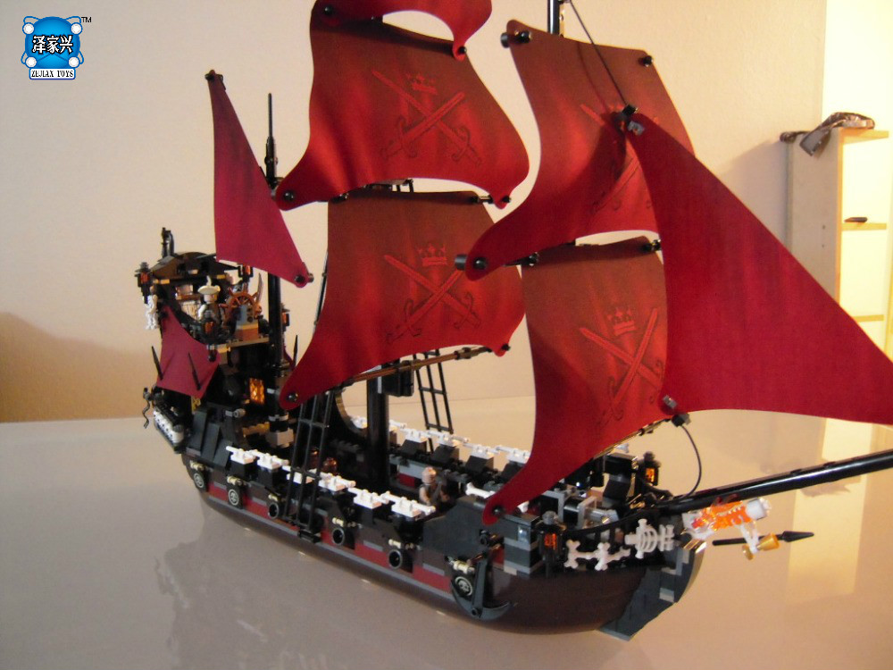 hot sale Queen Anne's Revenge building bricks blocks Toys for children boys Game Model Gift Compatible with lepins DIY figures new lepin 16009 1151pcs queen anne s revenge pirates of the caribbean building blocks set compatible legoed with 4195 children