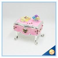 จัดส่งฟรีขายส่งเพชรกล่องสีชมพูโต๊ะออกแบบจัดงานแต่งงานโปรดปรานกล่องของขวั