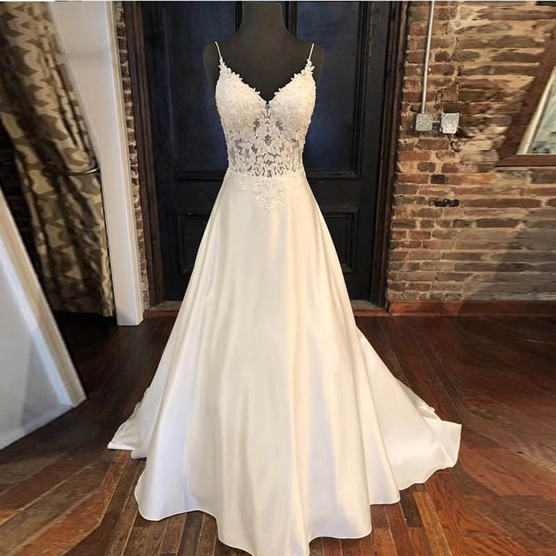 2019 Elegant Lace Wedding Dresses A-line V Neck Appliques Spaghetti Straps Vestido De Noiva Sexy Backless Satin Wedding Gowns