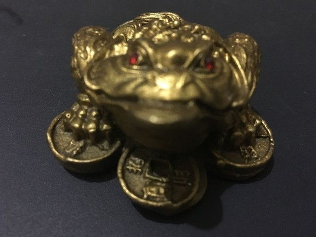 Chinesische feng shui geld frosch dreibeinigen kröte geld topf kupfer statue