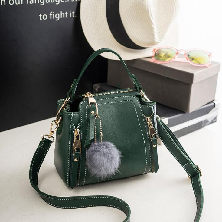 Autumn And Winter Hairball Bucket Soft PU Leather Women Shouder Bag Small Size Female Messenger Bag Handbag L4-3340