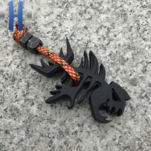 Hand-toothed Fish Key Pendant To Play EDC Flying Tools
