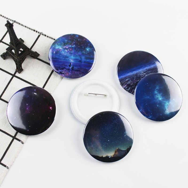 Anime Dream sky Cosplay insignia moda dibujos animados romántico forma redonda estrellado cielo nocturno broches Pin joyería Ropa Decoración