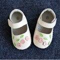 Nuevo 2016 Primavera Primeros Caminante Flores Dulces Niñas Zapatos de Bebé de Cuero Genuino Suave #2981