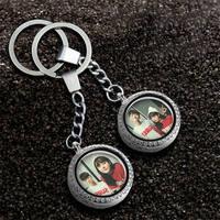 Custom sleutelhangers sieraden zetten uw foto voor vrouwen mannen familie minnaar medaillon sleutelhanger kan schijnen kerstcadeau