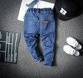 2017 niños niños niñas pantalones vaqueros del bebé pantalones de mezclilla azul de moda los pantalones vaqueros de los niños ocasionales del niño primavera verano otoño 2-6 T