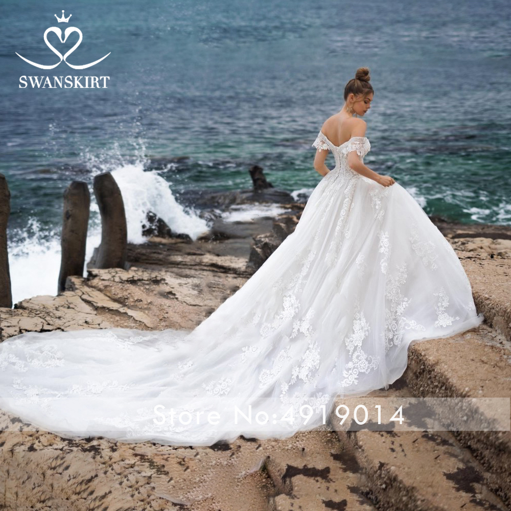 Image 2 - Swanskirt Sweetheart Ball Gown Wedding Dress 2019 Sexy Appliques lace Flowers Royal Train Tulle Bride gown Robe De Mariage N104-in Wedding Dresses from Weddings & Events