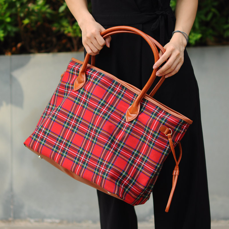 Large Xmas Red And Black Check Canvas Tote Whole Plaid Totes With Lined Leather Trimmed Handles Bottom Dom 1010377n In Top Handle Bags From