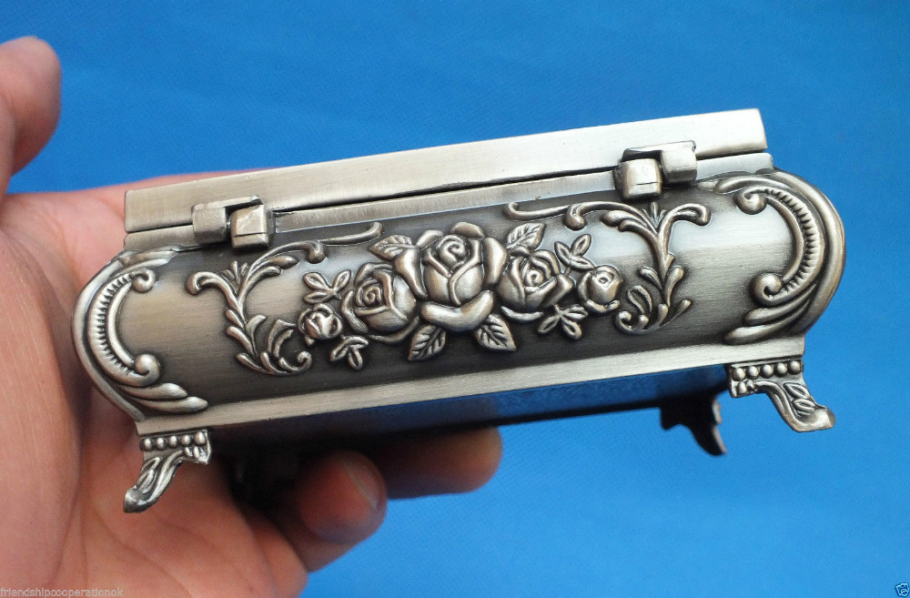 Beautiful tibet silver carved Rose Manor jewelry box Size