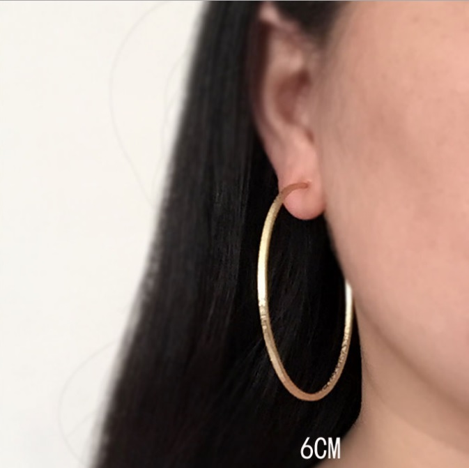 b3eac6b45cd22c Duże koło kolczyki biżuteria koreański klub nocny przesadzone matowe koło  kolczyki klips do ucha bez kolczyków
