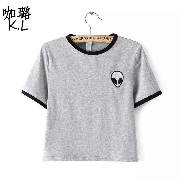 d9cd76500a71 Бесплатная доставка 2018 летний топ Женская футболка короткая инопланетная  НЛО ...