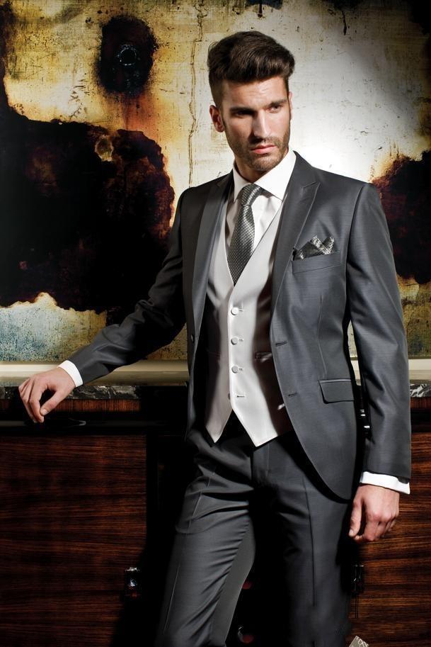 Custom Made Slim Fit Groom Wear Tuxedos Peak Lapel Men's Suit Gray Groomsman/Best Man Wedding/Dinner Suits (Jacket+Pants+Vest)