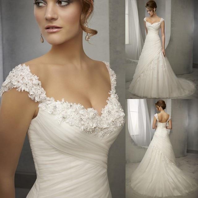 Neueste Design Vintage Hochzeitskleid Spitze Flügelärmeln Bördelte ...