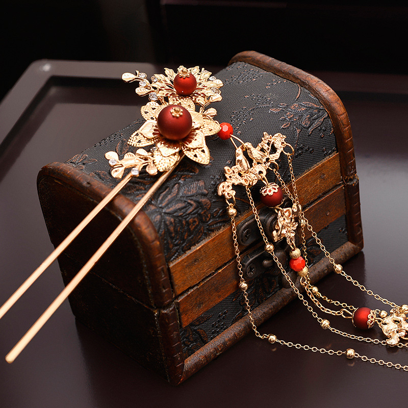Elegant Ancient Chinese Red Beading Bridal Headdress Golden Tassel Hairpins Wedding Ornaments Hair Jewelry 5
