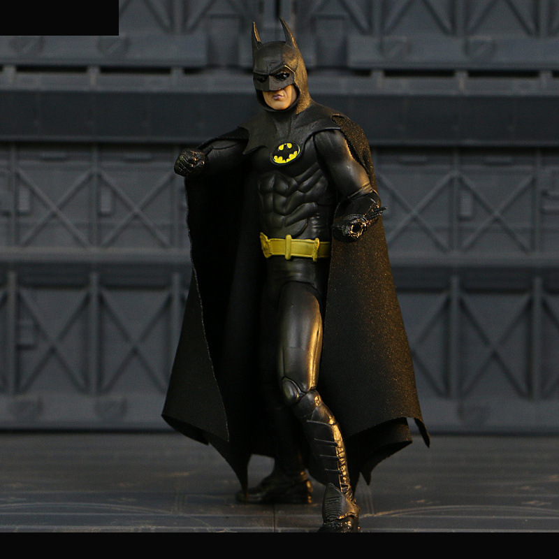 NECA 1989 Batman Action Figure Michael Keaton Ver. 25th Anniversary Toy 18cm