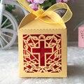 50 unids/lote pearl paper laser cut crucifijo de bautizo bautismo favor de la boda caja del caramelo del favor bolsas de papel pequeñas caja de regalos # TH-23
