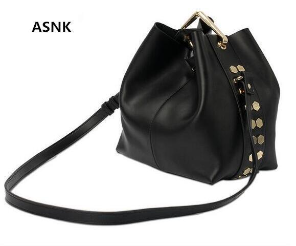 High quality fashion casual Genuine leather rivet bucket woman's shoulder bag