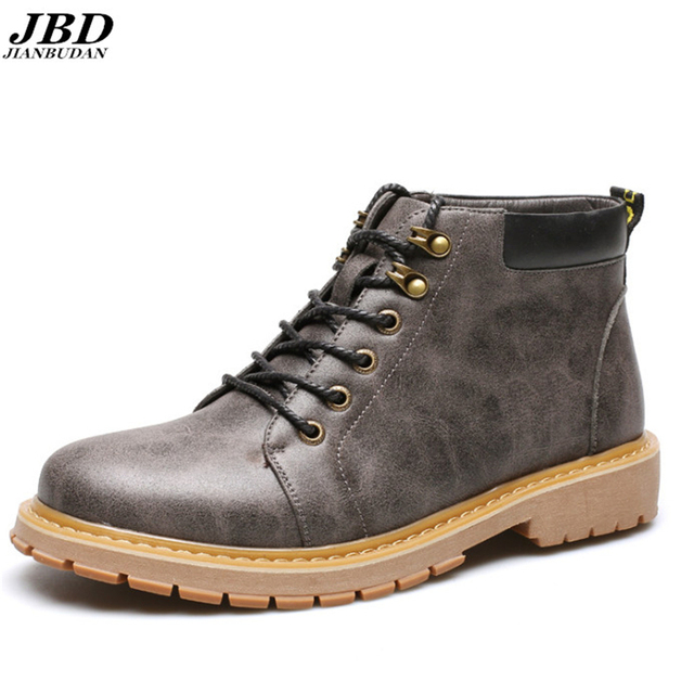 High-quality brand men's fashion boots Martin 2017 new retro waterproof skid leather boots, men's wear-resistant tooling boots