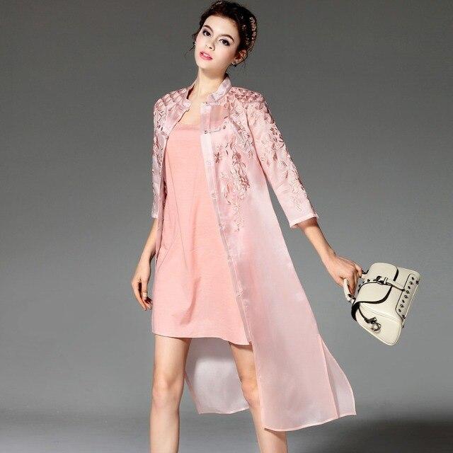 Xxxl! Высший сорт новый конструктор с пальто лето 2016 женщины шелкового вышивка 3/4 рукав элегантный Большой размер солнце пляж верхняя одежда