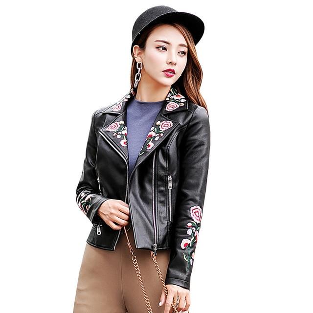 Fashion England style embroidery black pu   leather   jackets female locomotive wind short zipper stitching pu   leather   jacket wq2021