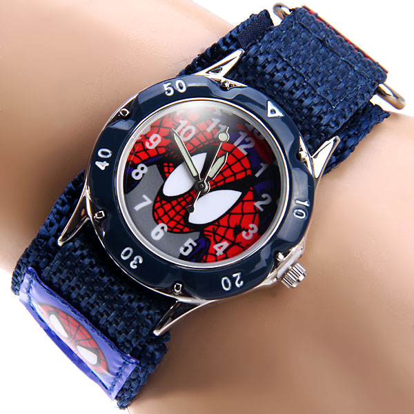 15db752ad86c 2016 Cartoon Spiderman relojes moda niños Niños niños estudiantes Spider  Man nylon Relojes deportivos reloj analógico en Relojes de niños de Relojes  en ...